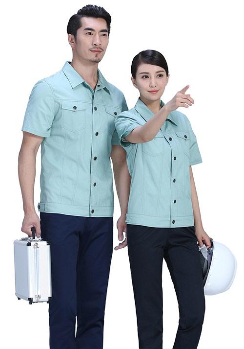 短袖T恤定制如何选择合适的尺码?